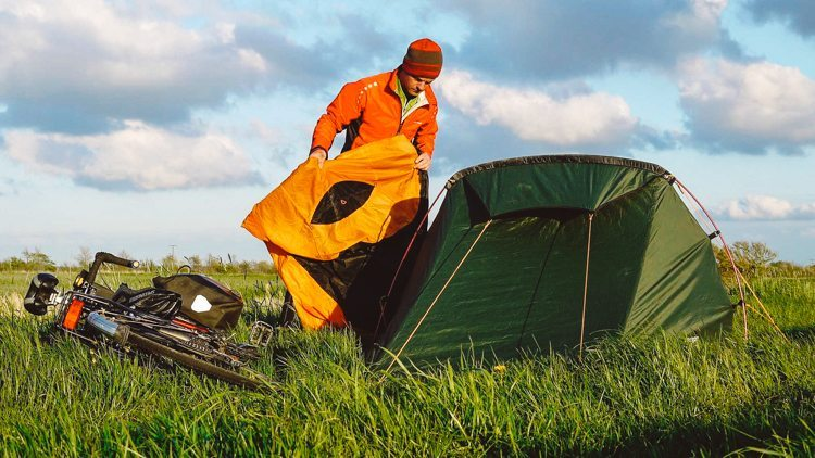 2_sleeping-bag-and-tent-hybrid