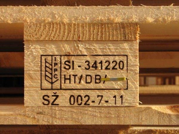 warning read this before using reclaimed pallets homestead guru. Black Bedroom Furniture Sets. Home Design Ideas
