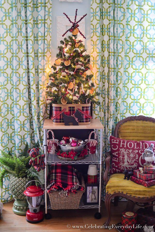 holiday tree orange garland