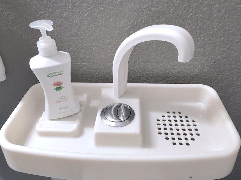 dual-flush-sinktwice
